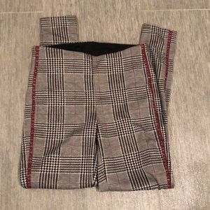 Great pants new never worn stretch pull on